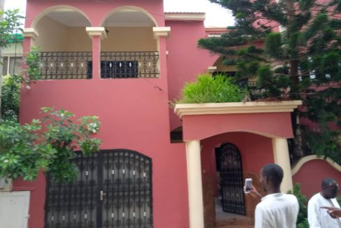 A vendre une villa 774591775