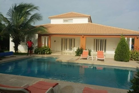 Très belle villa à louer sur Saly 774180742