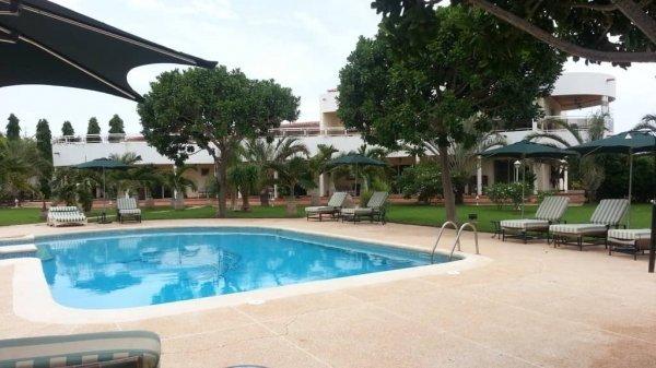 Vente villa avec piscine à Saly 774357705