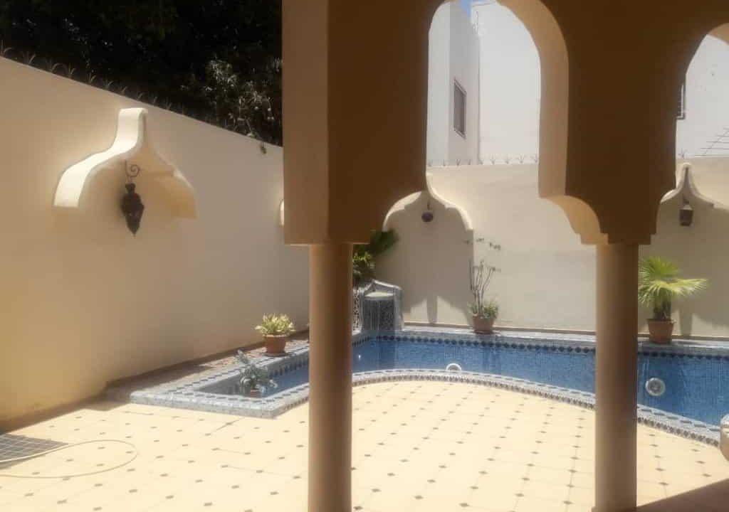 Villa à louer au Poit E 338203720