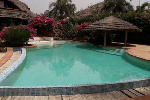 Villa à louer pied dans l'eau à Saly 774180742 N2