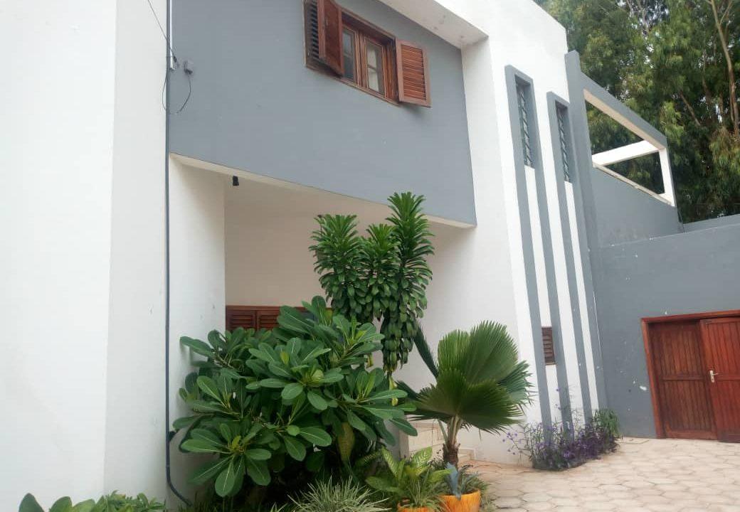 Villa Mermoz Ouakam 775310464