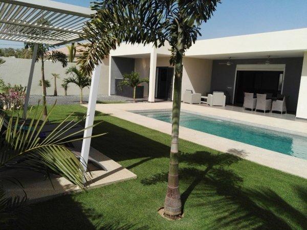 Villa meublée à louer à saly 707472696