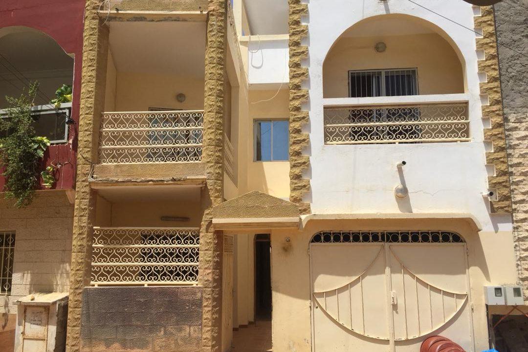 vente villa R+2 Ouest foire 766418311