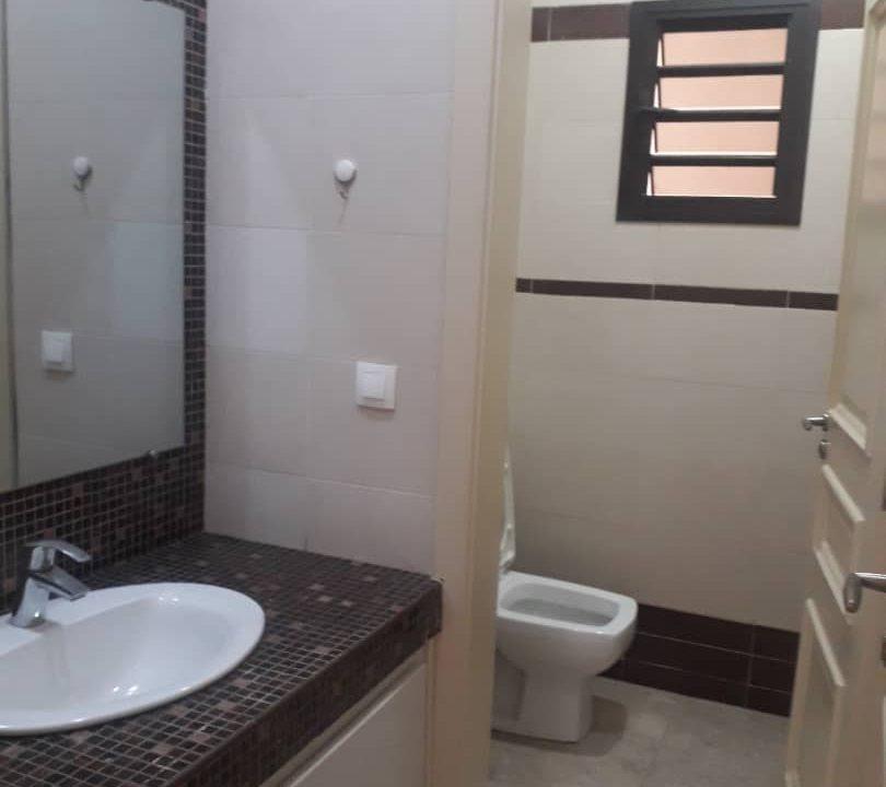 A.P Mermoz toilette 77 444 97 04