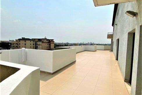 Abidjan A.P à louer 52854385 terrasse