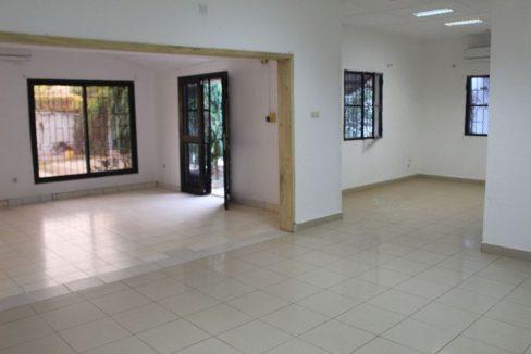 Burkina koulouba 2e salon 71 91 22 42