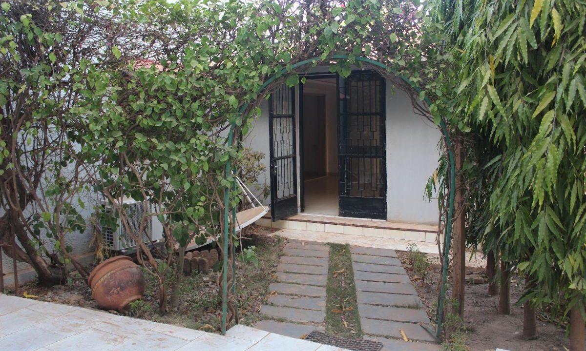 Burkina koulouba jardin 71 91 22 42