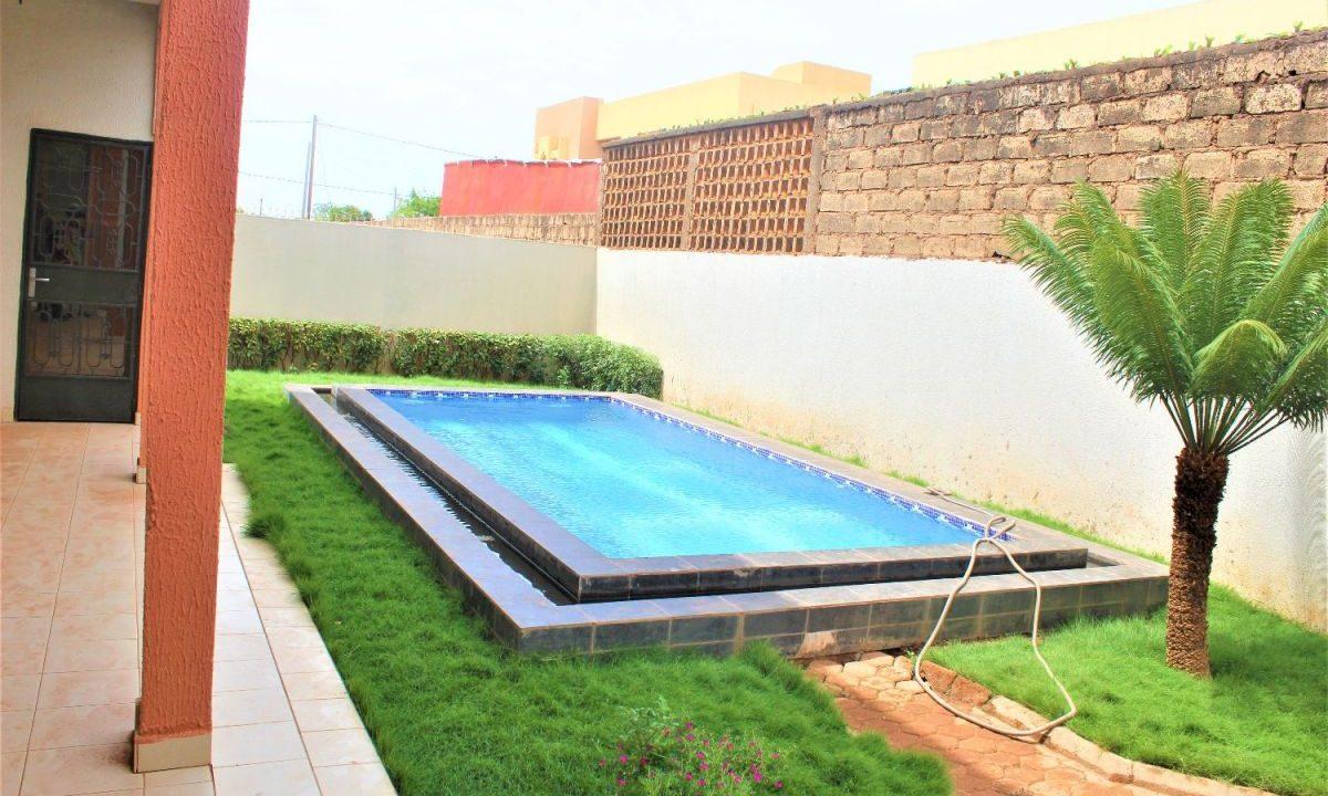 Burkina rose piscine 0022625308383