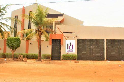 Burkina rose villa 0022625308383