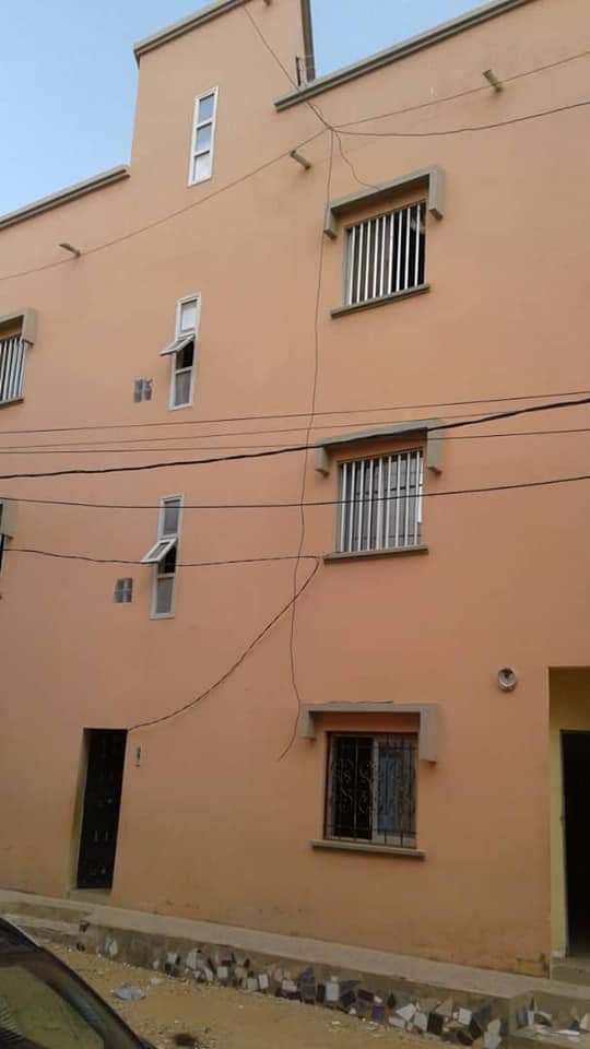 Maison R+2 à vendre à Dakar cité soprime