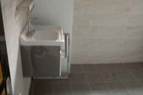 A.P à louer Abidjan 47027822 toilette