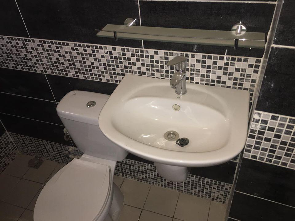 A.P à louer Abidjan 84116560 lavabo