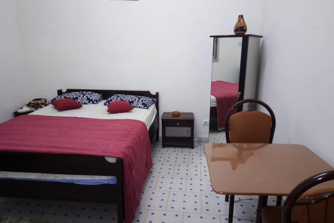 Chambre meublée à louer à Dakar 778182183