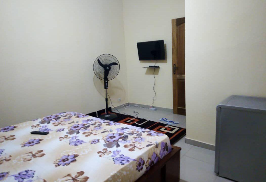 Chambre meublée à louer à Dakar 778182183 p