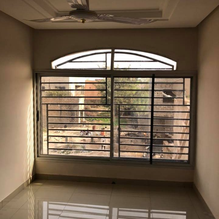 Immeuble à louer Bamako +22376234057 fenetre