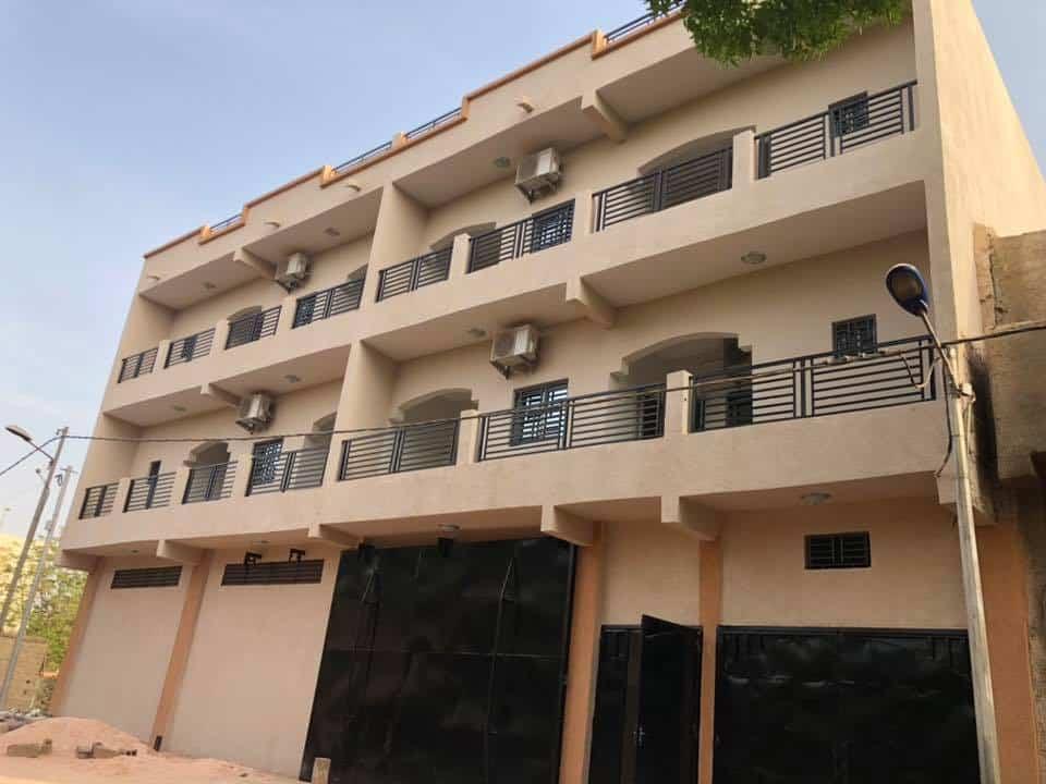 Immeuble à louer Bamako face +22376234057