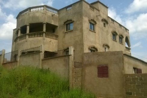 Villa à achever à Bamako 0662579804 villa