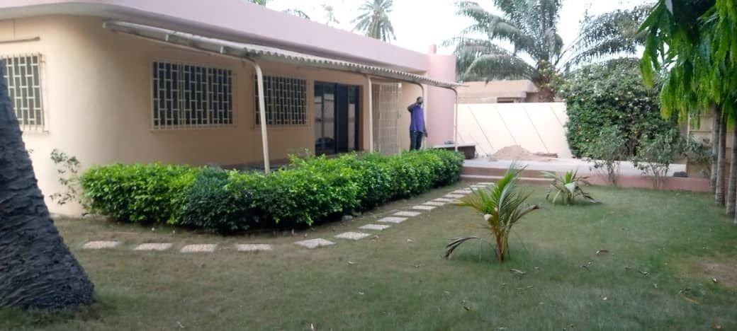 Villa à louer à Togo 0022890238564 jardin