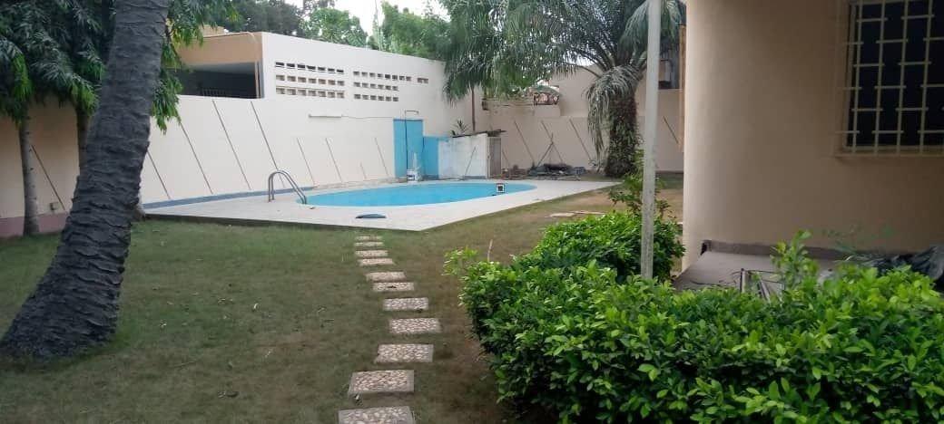 Villa à louer à Togo 0022890238564 piscine