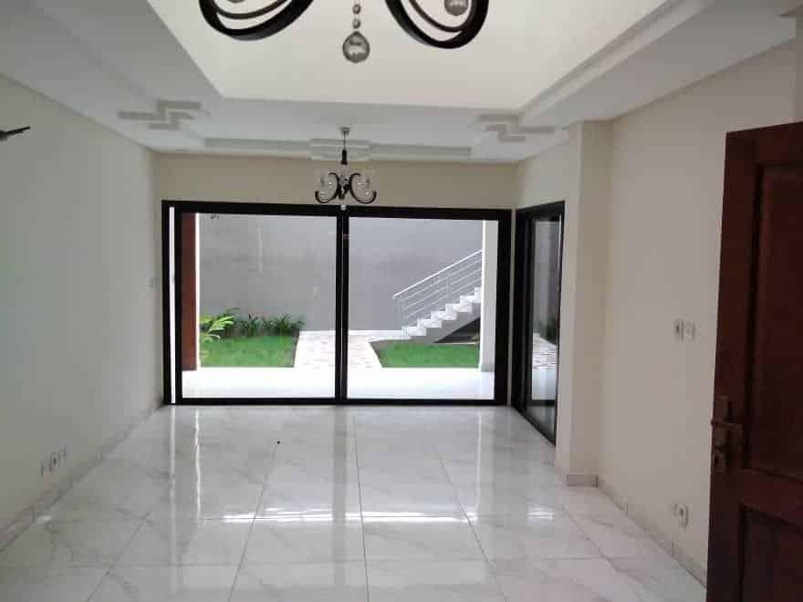 Villa à louer Abidjan +225 79828293 jardin