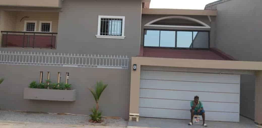 Villa à louer Abidjan +225 79828293 porte