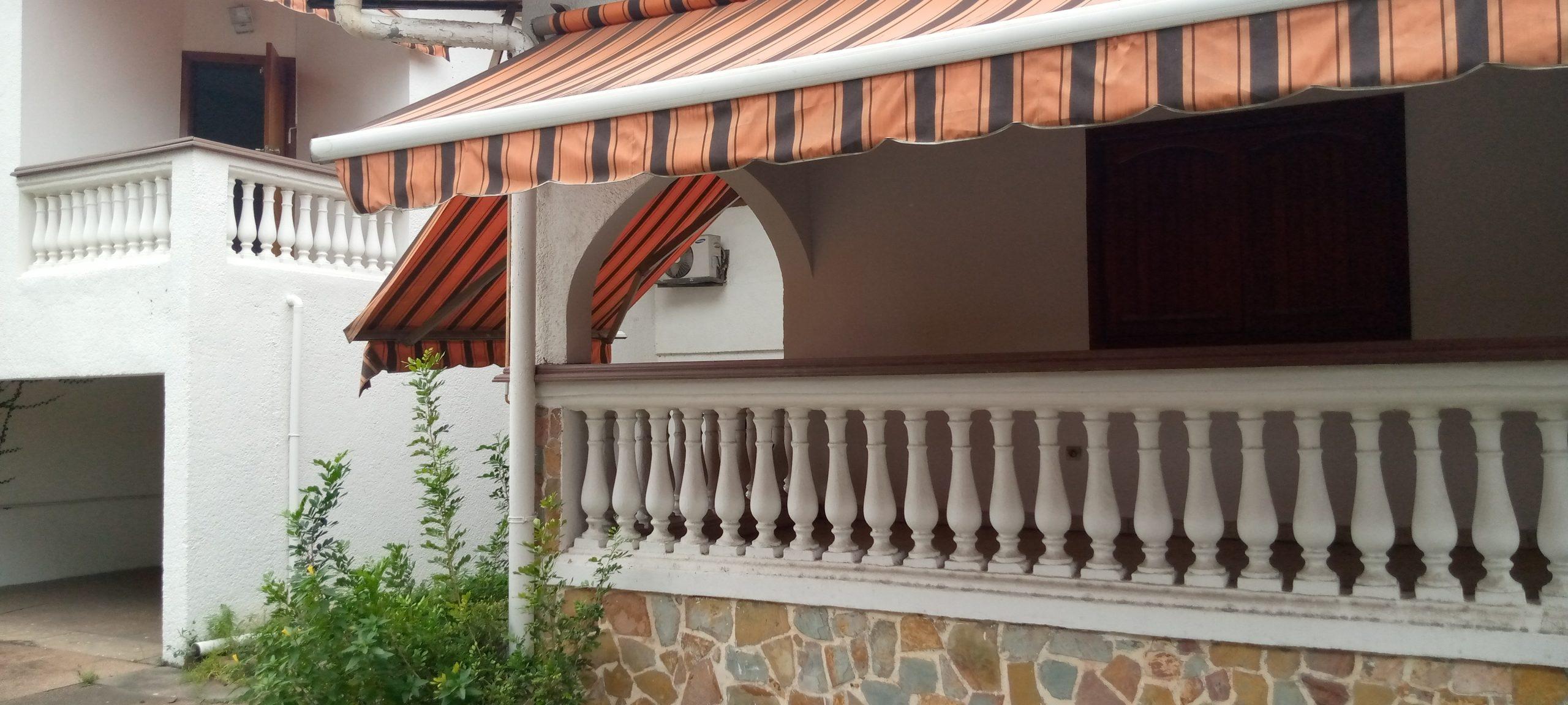 Villa en duplex de 7 pièces à Treichville près du port