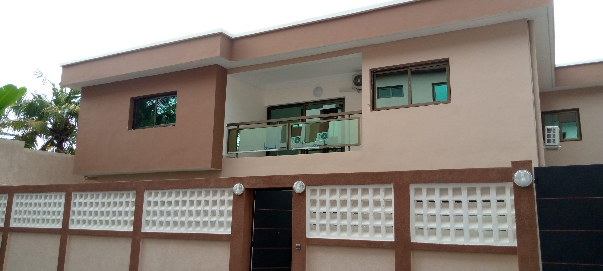 Nouvelle villa en duplex de 6 pièces à Cocody Rivera non loin du lycée français