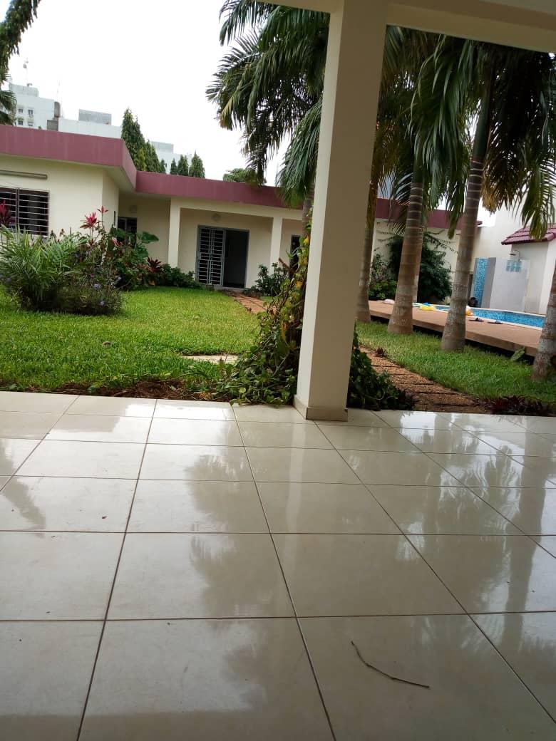 Villa basse à louer à Cocody Mermoz