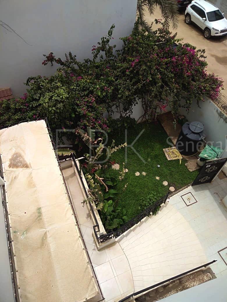 Villa R+1 8P en location aux almadies, Dakar