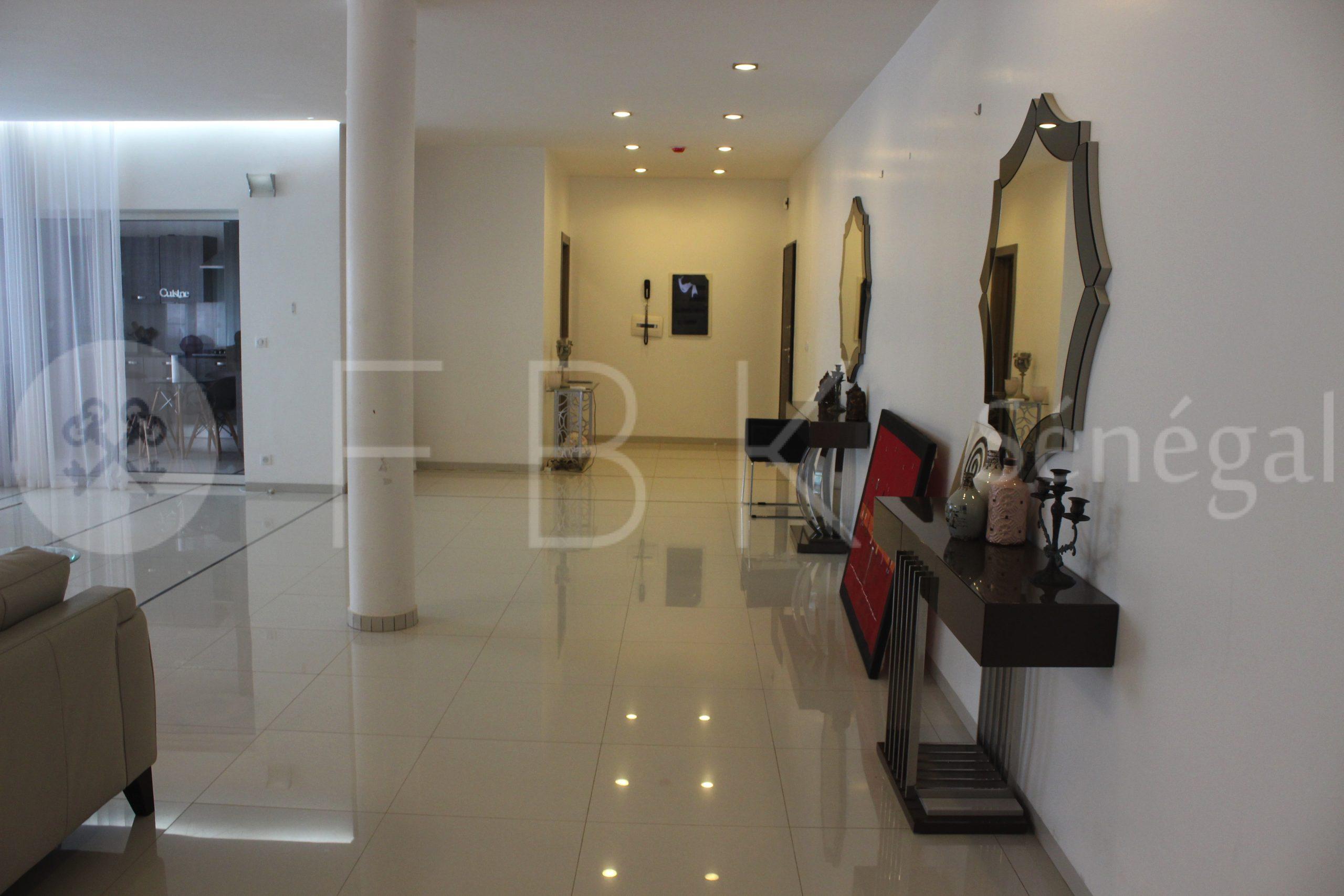 Appartement meublé 4P à louer aux almadies, Dakar