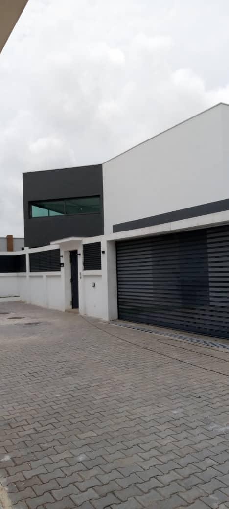 Duplex villa for sale at the Rivera golf4 beverhill