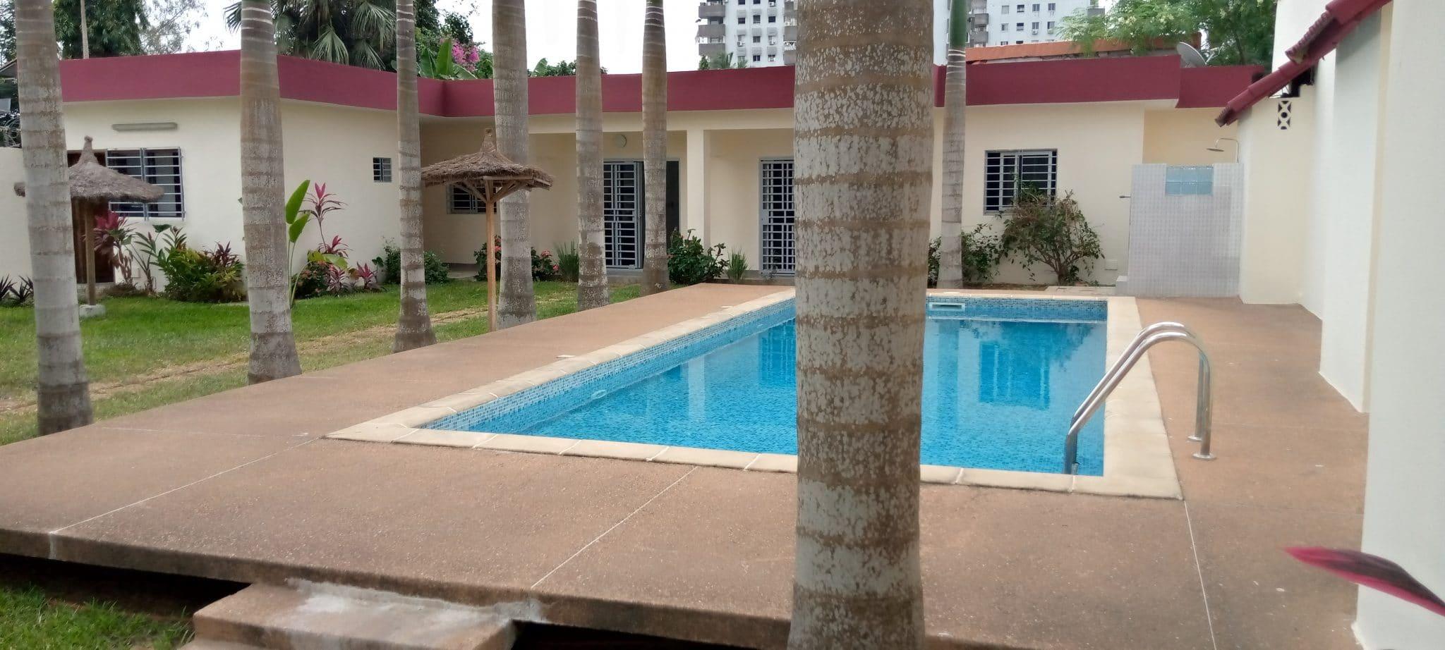 A louer villa basse de 4 pièces à Cocody Mermoz