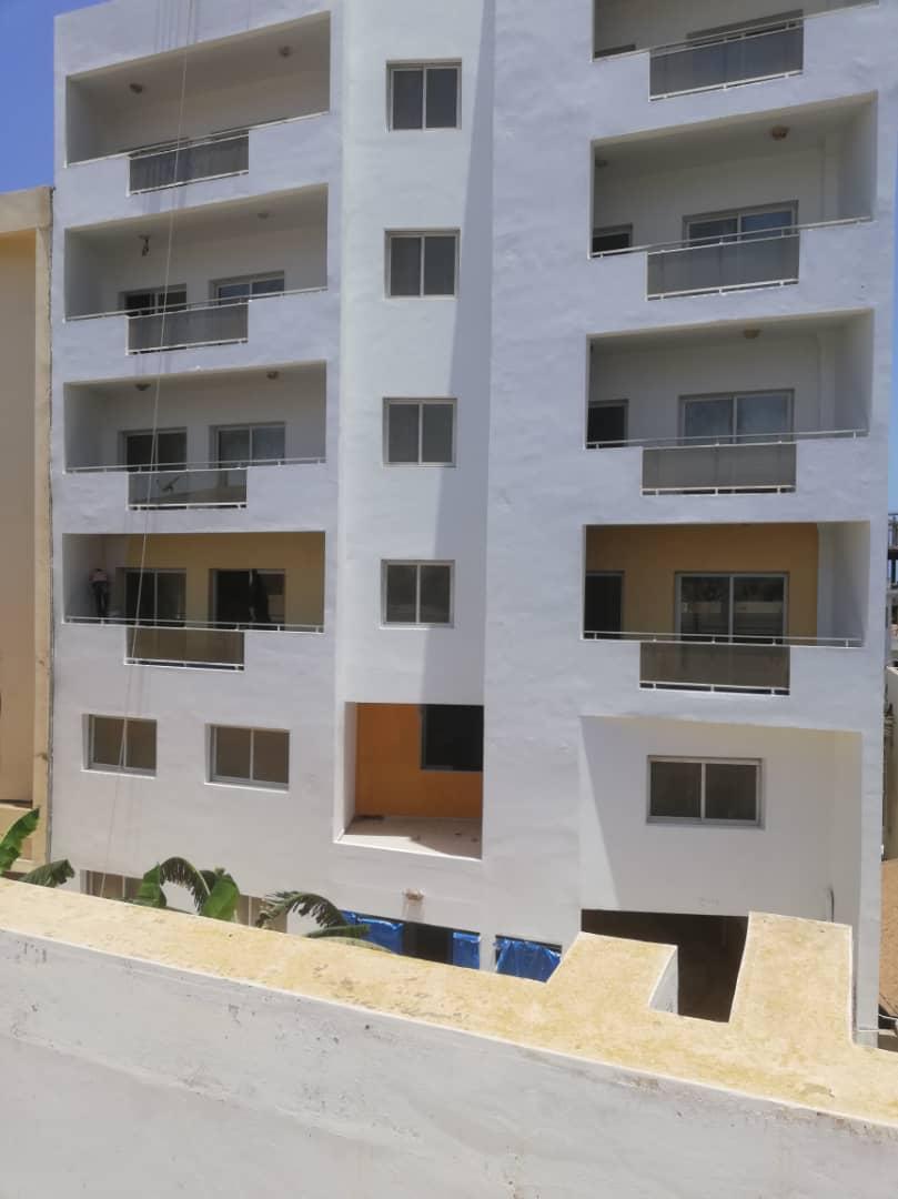 Immeuble R+6 à louer à Ngor , Dakar