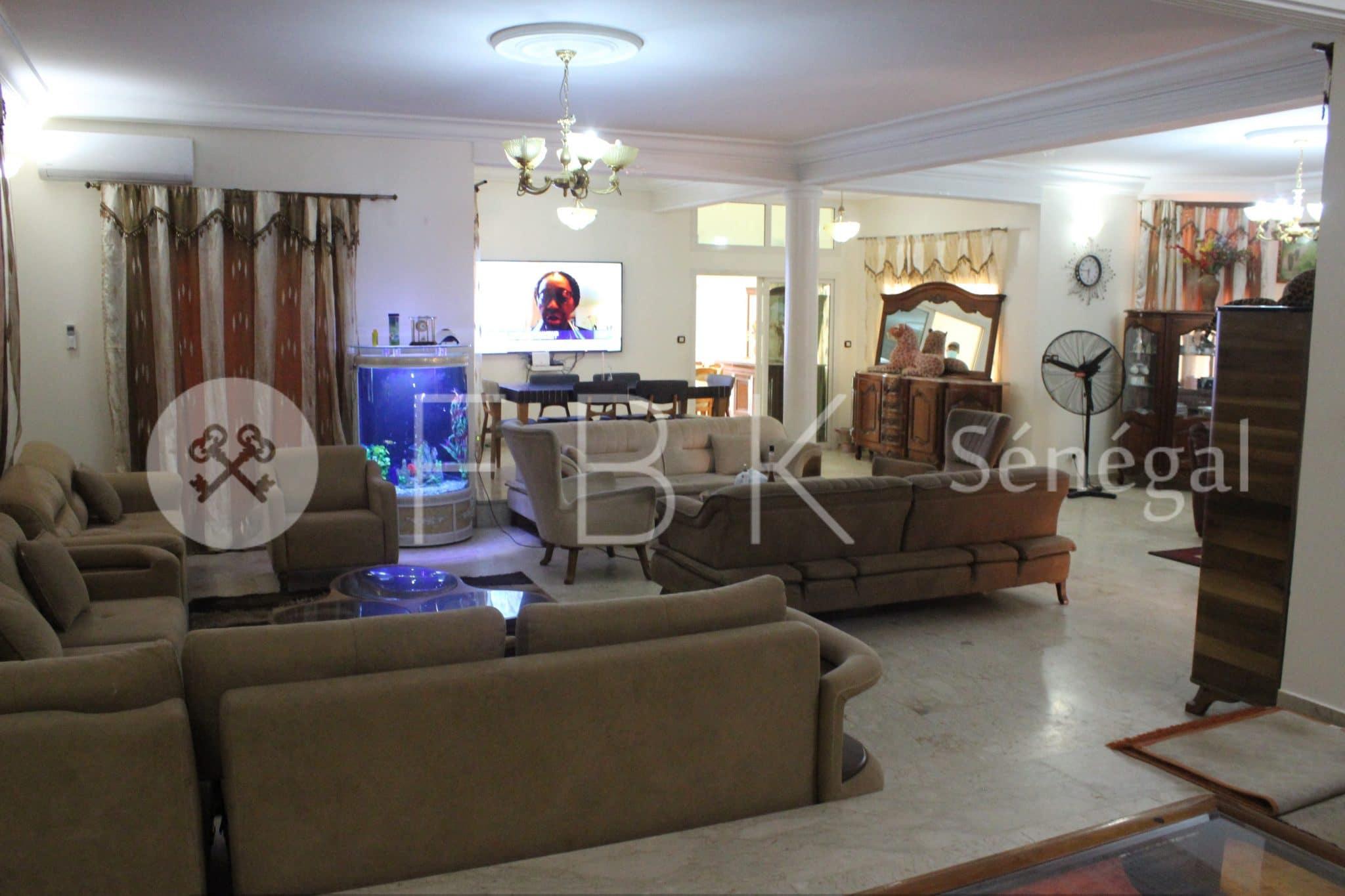 Villa meublé, R+2 , 7 Pièces à louer sur les Almadies, Dakar