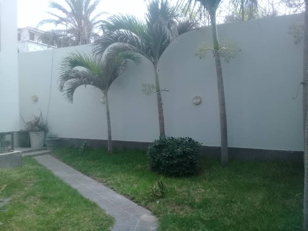 Villa À Louer Dakar aux Almadies