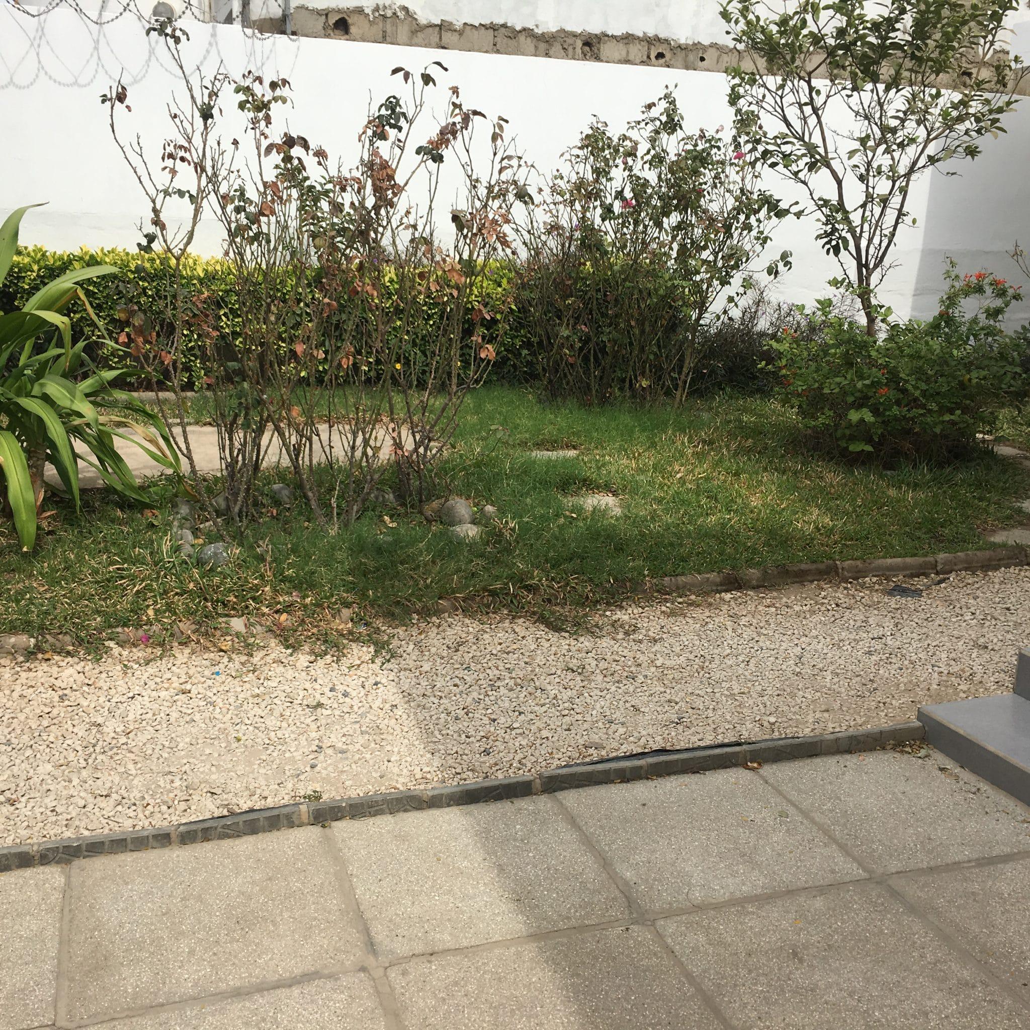 Villa F5 à Louer à Dakar au Point E