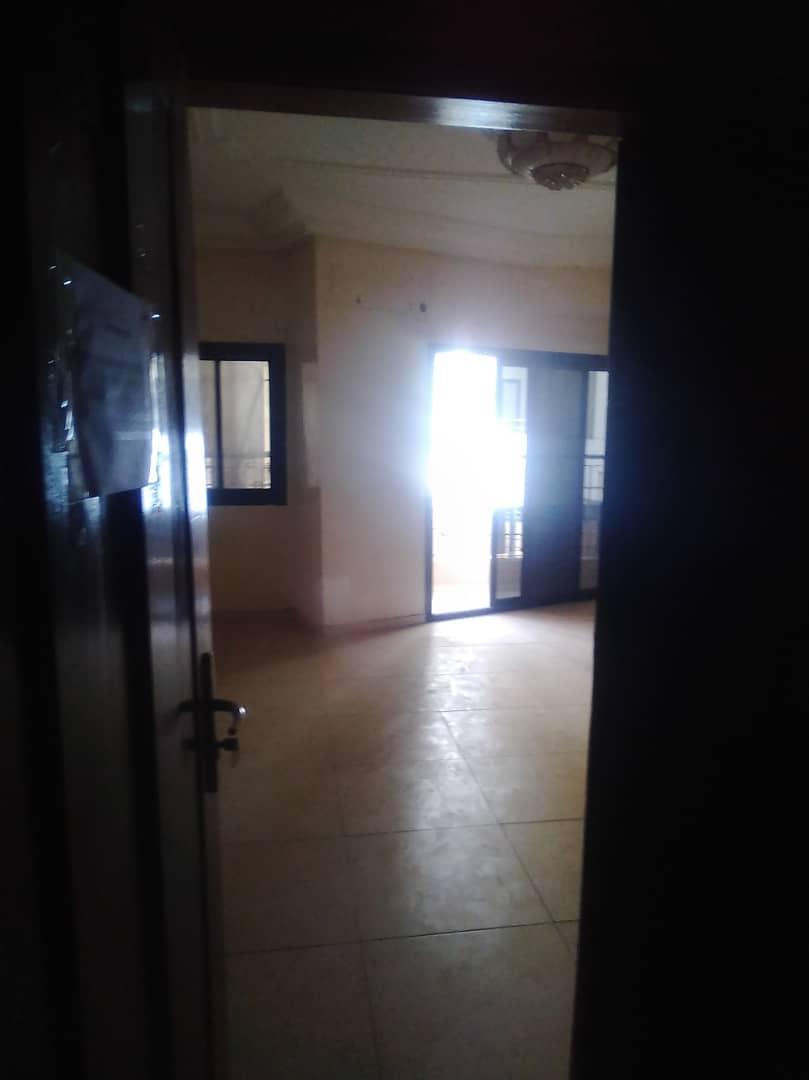 Appartement à usage de bureaux à louer Dakar cité keur gorgui