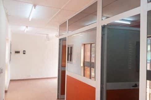 A-LOUER-NOUVELLE-CONSTRUCTION-GRANDE-COUR-AVEC-BUREAU-CLOISONNE-A-OUAGADOUGOU-QUARTIER-DASSASGHO-SUR-PERFECTOR-IMMOBILIER-2-768x576