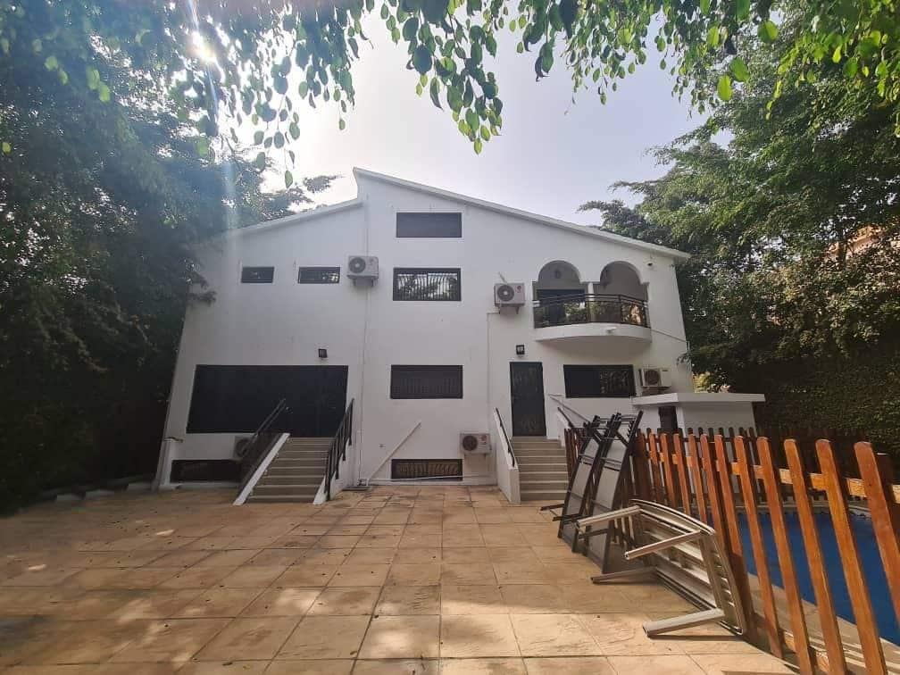Magnifique villa à vendre avec ses meubles aux Almadies