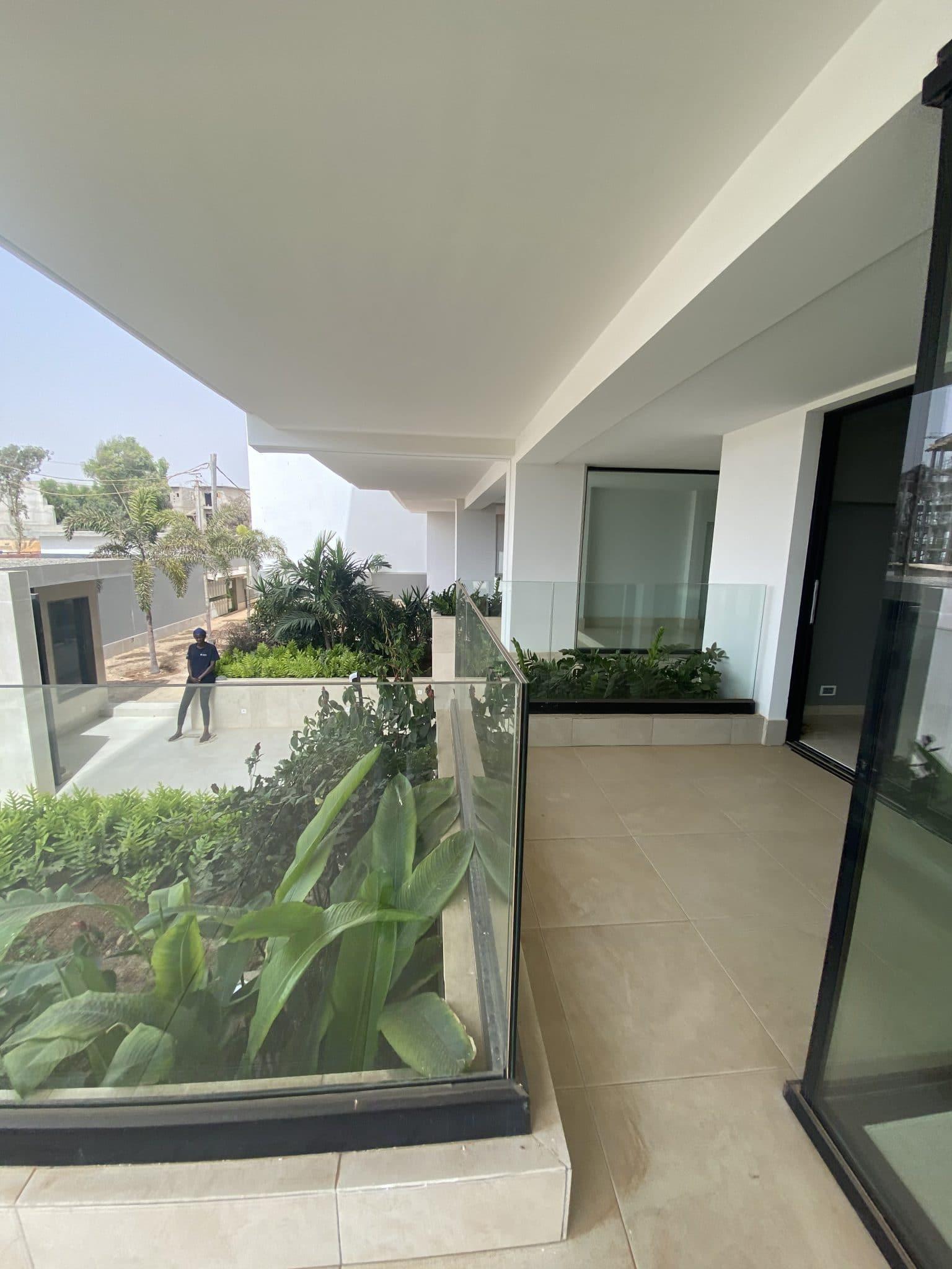 Appartement haut standing à louer à usage mixte Almadies Dakar