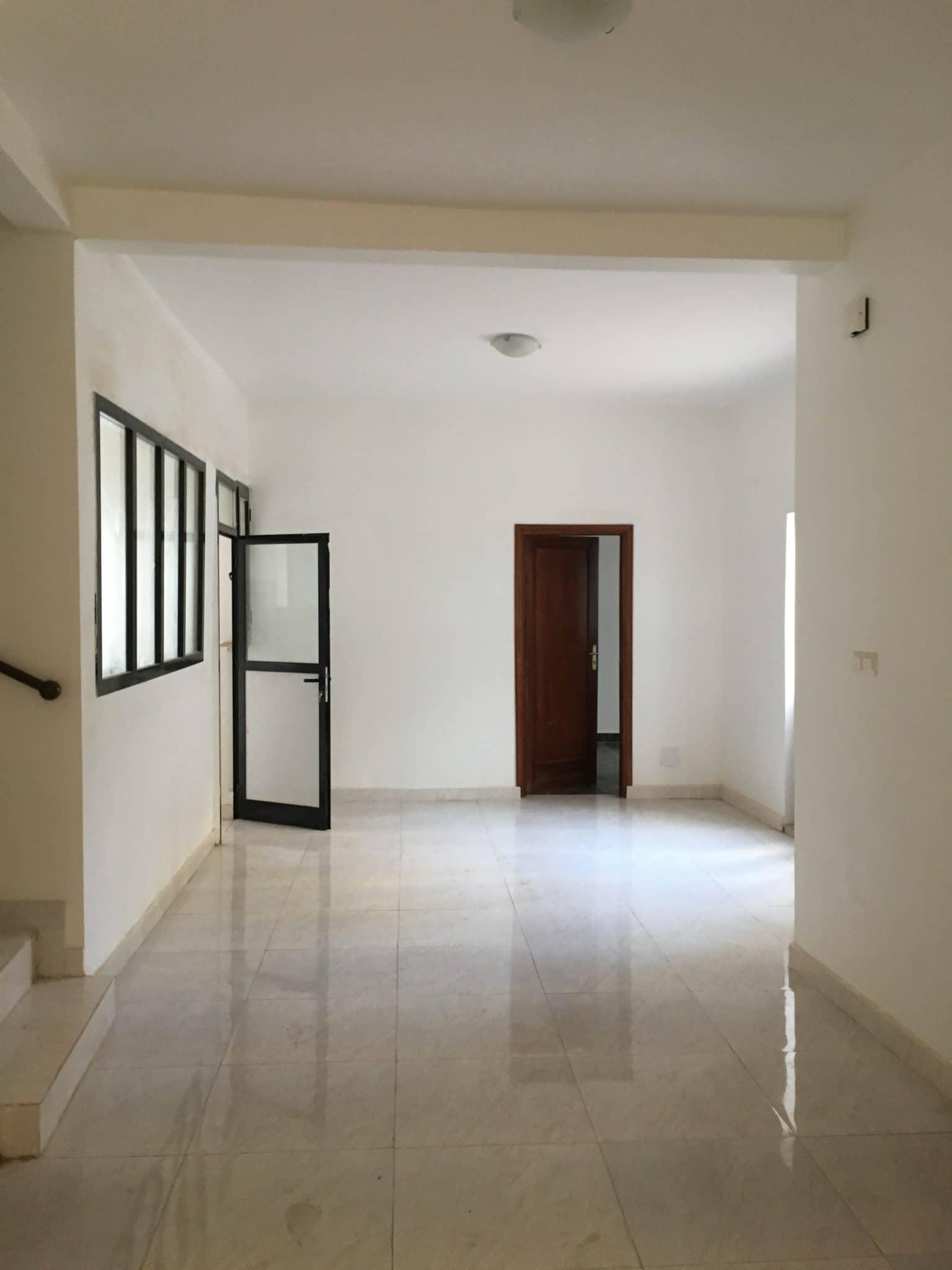 Maison à Louer à Dakar à Fann Hock