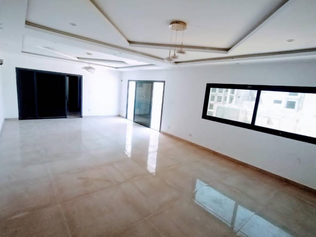 Appartement à Louer à Dakar aux Point E