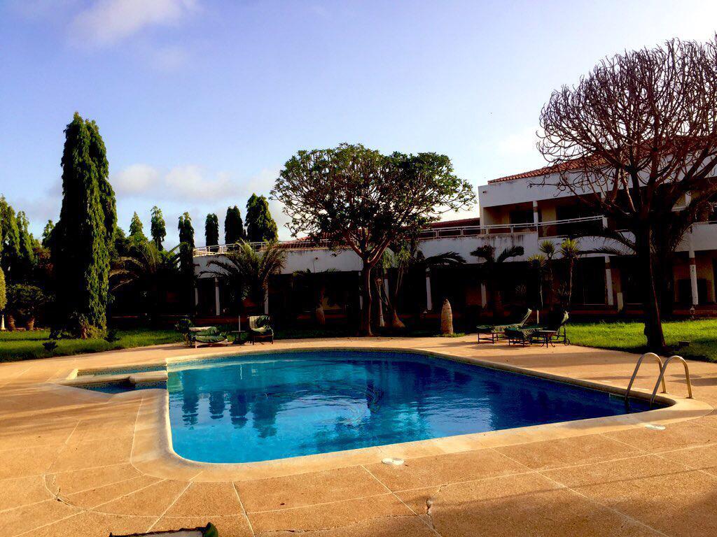 Villa de 3000m2 à vendre à Somone