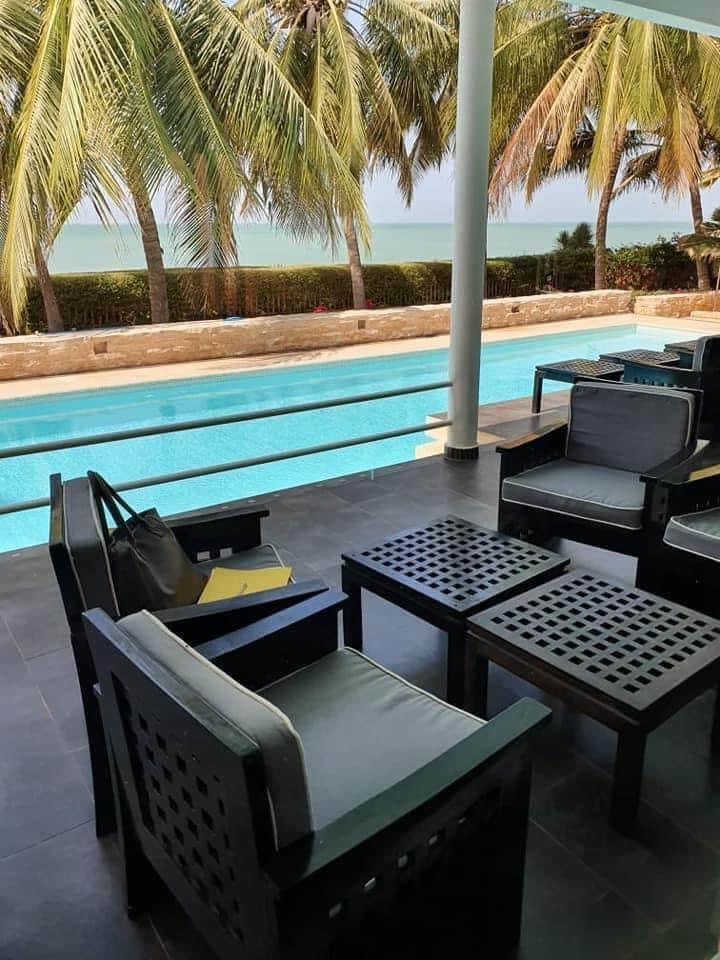 Magnifique villa pied dans l'eau à vendre SALY